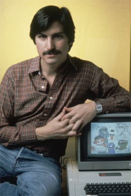 Steve Jobs with an Apple II