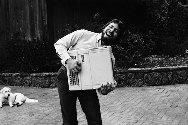 Steve Wozniak with Apple IIe