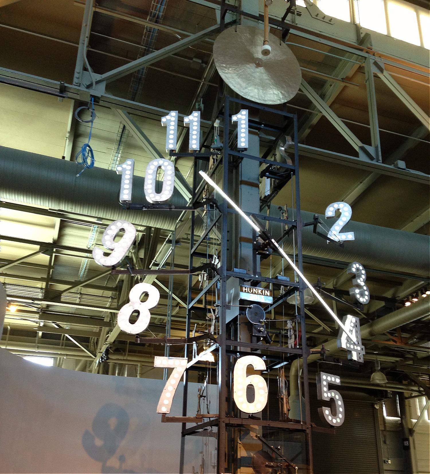 [image] Exploratorium clock