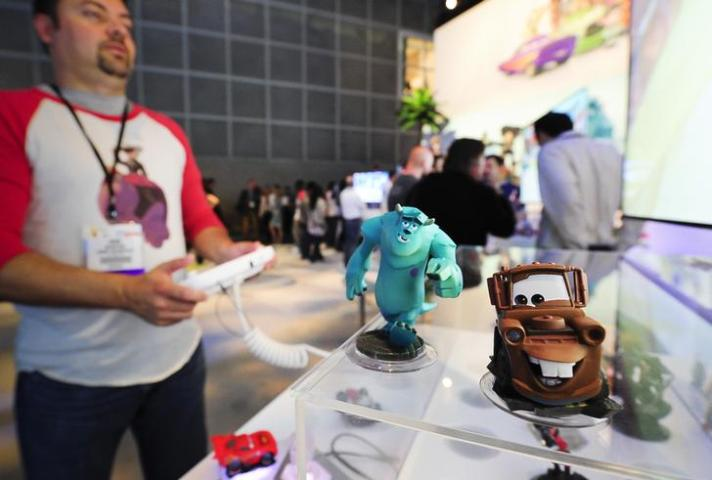 Mcarthur demonstrates Disney's new Infinity platform during E3 in Los Angeles